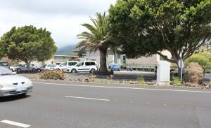 Das Besucherzentrum: Sieht man bei der Fahrt vom Tunnel auf der LP-3 schon von weitem. Außerdem warnen Tempo 50-Schilder vor dem Bereich mit dem Blitzer! Foto: La Palma 24