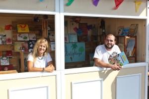 Langeweile am Strand? Da hilft Lesen mit Büchern aus der Biblioplaya. Foto: Santa Cruz