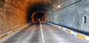 Der Alte Tunnel ist zur Zeit tagsüber nur einspurig befahrbar: Ab sofort auf noch unbestimmte Zeit wird er von Mitternacht bis 6.30 Uhr mitsamt der LP-3 ab dem Neuen Tunnel in Richtung Westen komplett gesperrt.