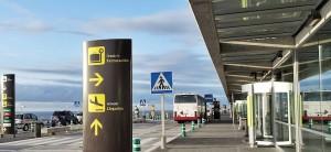 Busse am Flughafen: Bisher fährt dahin nur die Linie 500 ab Santa Cruz de La Palma.