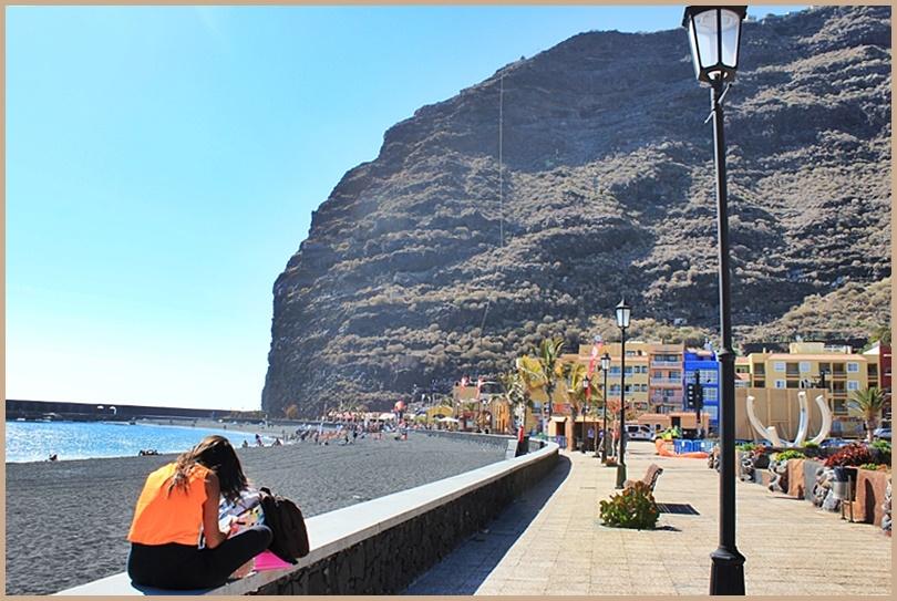 Der Strand von Tazacorte: Hier nimmt die Karriere von Martin Ebel als Detektiv wider Willen seinen Lauf. Foto: La Palma 24