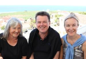 Die MacherInnen des WeinClubs La Palma laden ein:Renate Zörb, Jürgen Michalzik und Susanne Langford. Foto: La Palma 24