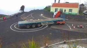 Der viel zu enge Kreisverkehr bei Barlovento: Die Lachnummer wird im Rahmen der nun beschlossenen Sanierung in diesem Gebiet vergrößert.