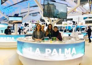 Inseltourismusrätin Alicia Vanoostende (links) mit ihrem Team auf der World Travel Market in London: