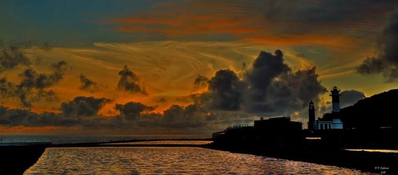 """Auszeichnung von der UNESCO fürs Weltbiosphärenreservat La Palma. Die United Nations Educational, Cientific and Cultural Organization (UNESCO) hat La Palma zur Biosphere Certified Destination in der Kategorie """"goldene Ziele"""" erklärt. Die Auszeichnung würdigt den nachhaltigen Tourismus auf der Insel und wurde offiziell am Montag, 5. November 2018, im Rahmen der Feier zum 16. Jahrestag als Reserva Mundial de la Biosfera übergeben. 1983 erklärte die UNESCO als erstes den Lorbeerwald von Los Tilos zum Weltbiosphärenreservat, 2002 erhielt die ganze Insel diese Schutzbezeichnung. Foto: Facundo Cabrera"""