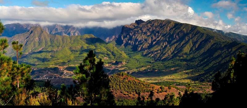 Caldera-Verwaltung geht ans Cabildo. Das Regionalparlament hat beschlossen, dass die Verwaltung des Nationalparks Caldera de Taburiente auf La Palma sowie des Nationalparks Garajonay auf La Gomera für die nächsten zehn Jahre in die Verantwortung der jeweiligen Cabildos übergeht. Dieses Modell existiert bisher nur auf Teneriffa – die anderen beiden Parks wurden bisher vom zuständigen Kanarenministerium geleitet.