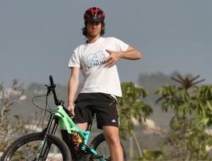 Bei La Palma 24 zu mieten: E-Bikes für Up- und Downhill von Specialized.