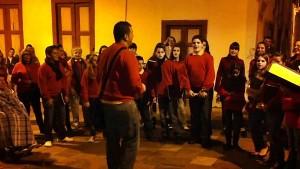 Villancicos: werden von verschiedenen Gruppen gesungen.