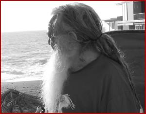 Wolf-Dieter Storl: liebt das Meer schon seit jeher. Foto: La Palma 24