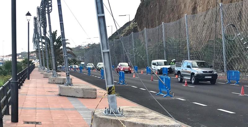 Sanierung am Hausberg von Santa Cruz geht in zweite Phase. Am Freitag, 1. Februar 2019, werden die Arbeiten am Risco de la Concepción fortgesetzt, die die Absicherung vor Steinschlägen der darunter verlaufenden Straße in die Hauptstadt zum Ziel haben. Diese Hauptverkehrsader wird während dieser Sanierungsmaßnahmen bis zum 18. Februar 2019 gesperrt und die Fahrzeuge durch den Tunnel umgeleitet; dieser ist dann ausnahmsweise in zwei Richtungen befahrbar.