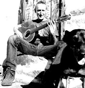 Eremiot, der Allroundmusiker aus Las Tricias: Um ihn versammelt sich die Formation Fuerza - Power-MusikerInnen aus La Palma.