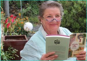 Barbara Schlüter: Die Autorin aus Hannover widmete der Fuente Santa ein langes Kapitel ihres Buches Ausgerechnet zum Feiertag. Foto: La Palm 24