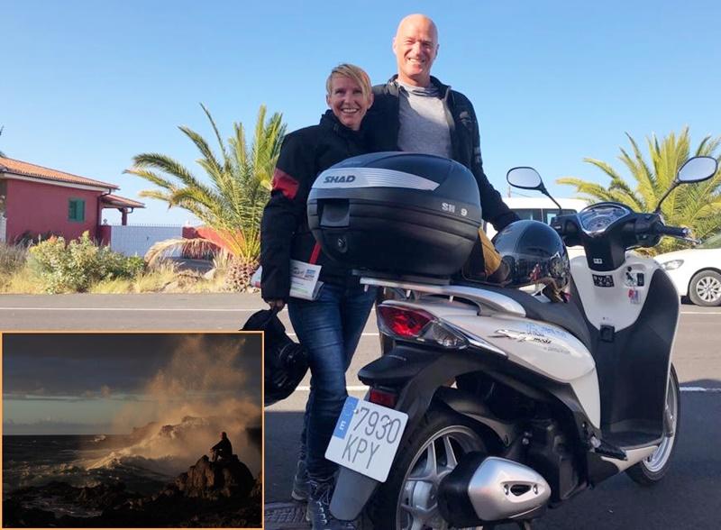 Sieger-Tour über die Insel. Der Fels in der Brandung wurde von den LeserInnen des La Palma 24-Journals bei unserem Wettbewerb zum Foto des Jahres 2018 gekürt. Realisiert haben es Christiane und Guido Lach: Sie drückte auf den Auslöser, und er setzte sich auf einen Felsen an der Play Puntalarga und trotzte den Wellen. Jetzt haben die beiden ihren Gewinn eingelöst und sind mit einem Honda-Roller von La Palma 24 einen Tag lang über die Insel getourt. Als es losging, haben sie sich kurz von Dörthe fotografieren lassen.