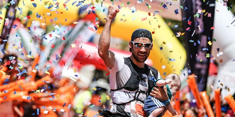 """Luis Alberto ist zurück. Luis Alberto Hernando, dreimaliger Bergrennen-Weltmeister und dreimaliger Sieger des Transvulcania-Ultramarathons, tritt nach zwei Jahren Pause am 11. Mai 2019 wieder auf La Palma an. Wie die TRV-Rennleitung mitteilt, geht der schnellste Skyrunner dieser Erde dieses Jahr im Vertical und im Halbmarathon an den Start. Luis Alberto: """"Ich möchte wieder die besondere Athmosphäre der Transvulcania spüren und freue mich darauf, sie mit allen Fans auf der Insel zu teilen."""""""