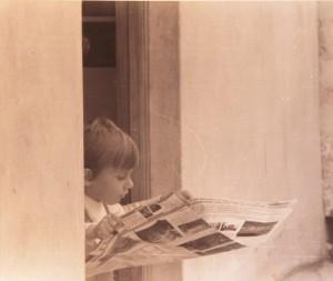 """Fernando als kleiner Steppke: Von Kindesbeinen an interessierte er sich für die Geschehnisse auf """"seiner"""" Insel."""
