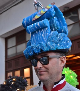 karneval-2019-santa-cruz-perruecke1
