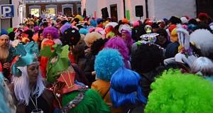 karneval-2019-santa-cruz-perruecke3