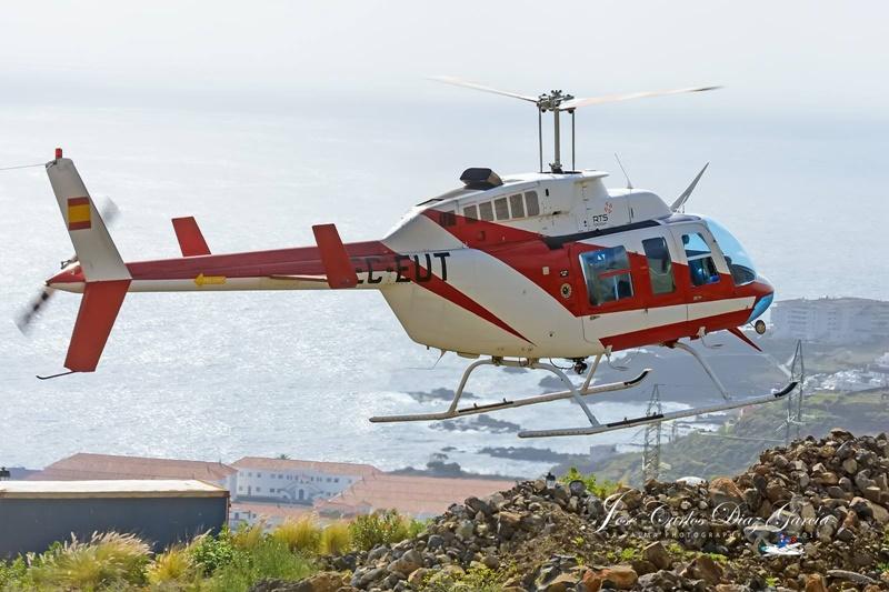 Heli über Santa Cruz. Am heutigen Freitag schwebt ein Helikopter über Santa Cruz: