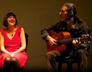 Flamenco-Zeit: Iosune und Pedro musizieren mit Freunden. Foto: Kim Schaar