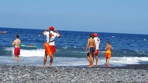 Socorristas - Live-Guards: Die Lebensretter achten auch an den Stränden von La Palma auf die Badegäste.