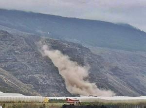 Schäden in der Landwirtschaft: massive Steinschläge am Hang von Charco Verde.