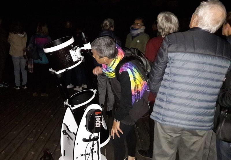 Schalt das Licht aus und die Sterne ein: Unter diesem Motto konnten Starlight-Fans am vergangenen Samstag allerorten durch Teleskope in den Nachthimmel schauen.