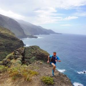 Hannes Namberger beim Acantilado an der Nordküste von La Palma: 2019 wurde er in diesem erst zwei Jahre alten Trailrun Zweiter.
