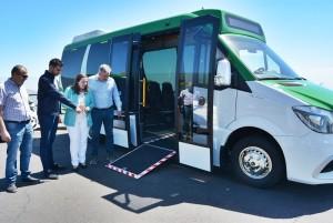 Die Umgestaltung des öffentlichen Personennahverkehrs auf der Isla Bonita geht weiter, die TILP haben jetzt zwei neue Kleinbusse für jeweils 30 Personen angeschafft. Sie sind rollstuhlgerecht mit einer Rampe ausgestattet und werden auf weniger frequentierten Strecken eingesetzt.