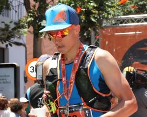 Hannes Namberger im Ziel des Transvulcania Ultramarthons 2019 in Los Llanos: abgekämpft, aber glücklich über den 10. Platz trotz Muskelproblemen. Foto: La Palma 24