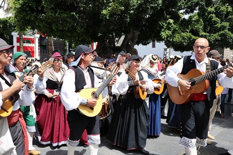 Los Llanos: viel Folklore bei der Patrona-Fiesta.