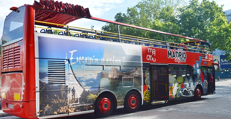 la-palma-werbung-touristen-bus-madrid