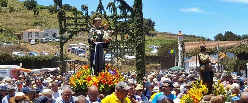 Der Heilige San Antonio ist bei der Fiesta immer dabei: Aber es geht trotzdem sehr weltlich zu.