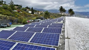 Photovoltaik auf La Palma: Hier die Anlage im Centro de Astrofísica auf La Palma.
